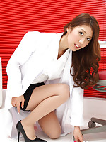 Reika Miki on heels and in short skirt is doctor with sexy legs